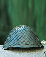 Itä-Saksalainen kypärä,käytetty